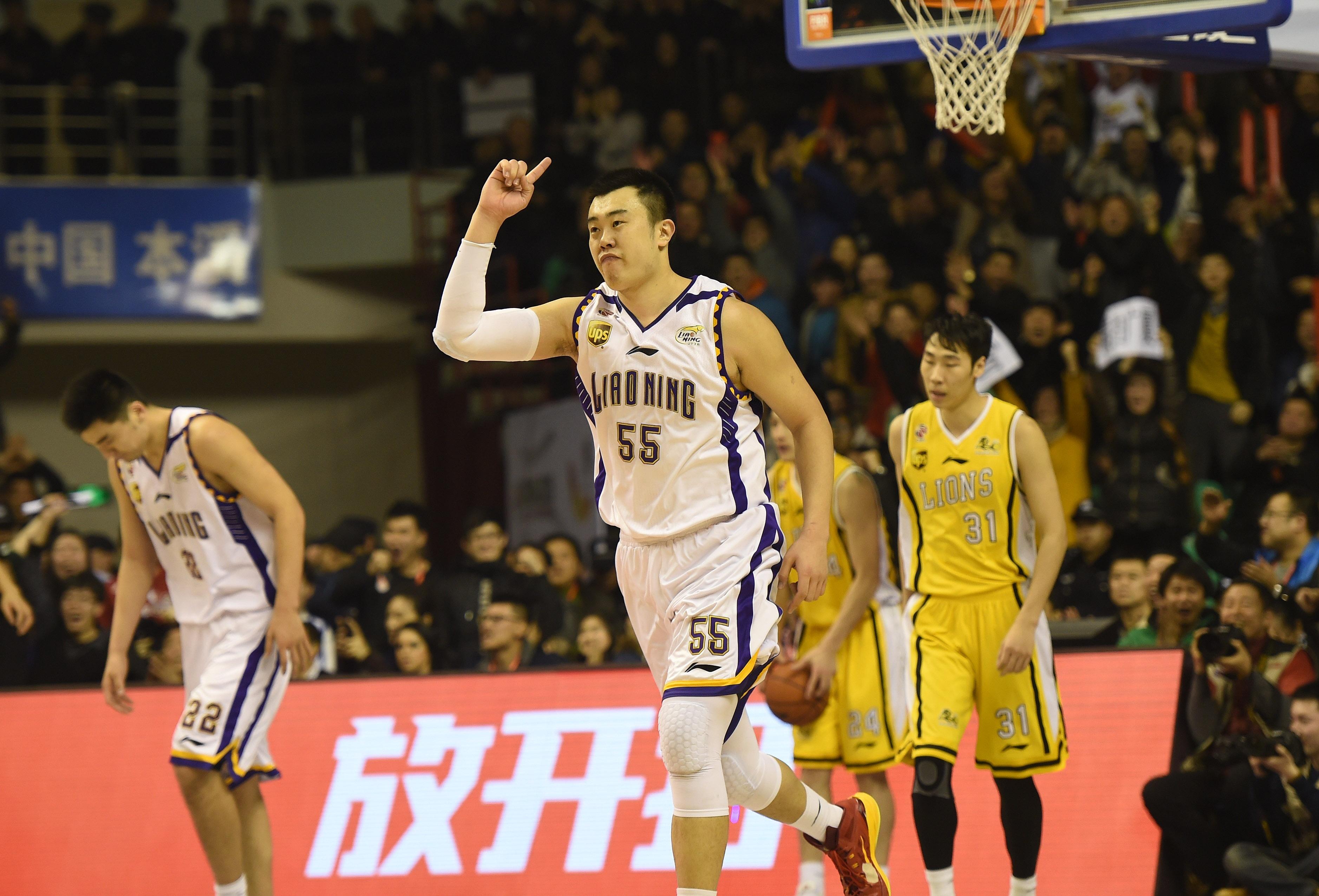 锋线上北京队的莫里斯能力上略优于辽宁队的汤普森,但辽宁队的李晓旭