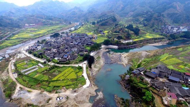 这是3月16日航拍的贵州省榕江县田间风景. 新华社发(王炳真 摄)