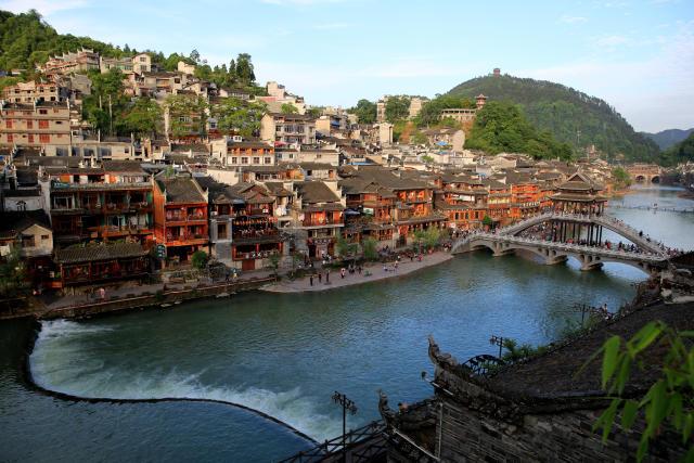 这是5月16日拍摄的湖南湘西凤凰古城景色.