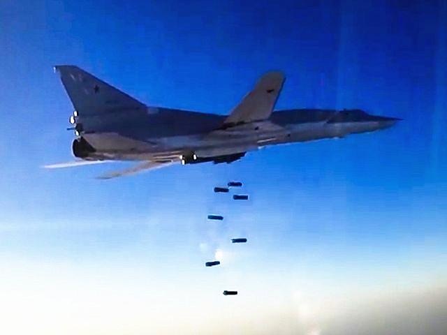 8月16日视频截图:俄罗斯Tu-22M3轰炸机对叙利亚阿勒颇地区目标进行空袭。(图片来源:新华美联)
