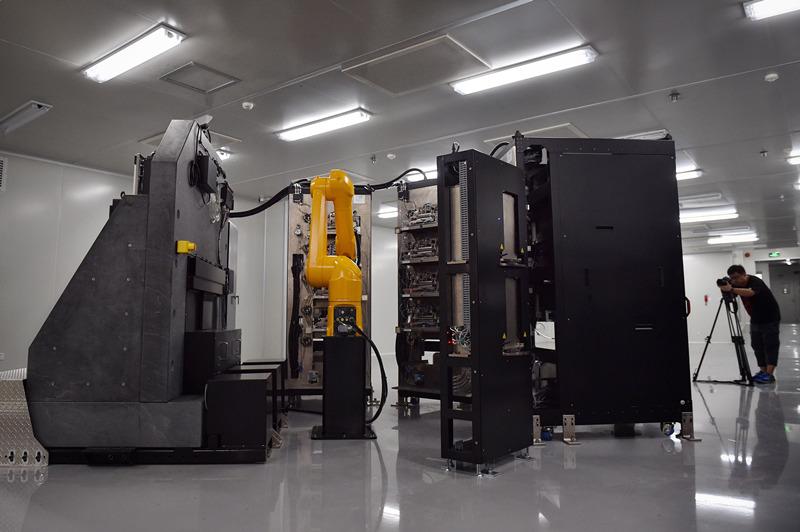 这是9月6日在国家基因库拍摄的超级测序仪。新华社记者 毛思倩 摄