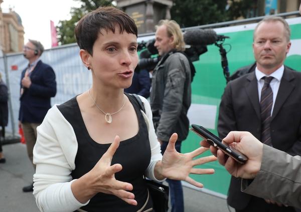9月4日,德国选择党主席弗劳克·彼得里接受记者采访。(新华/美联)