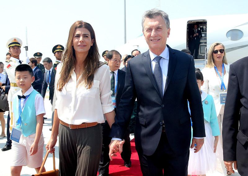 图为阿根廷总统马克里抵达杭州。