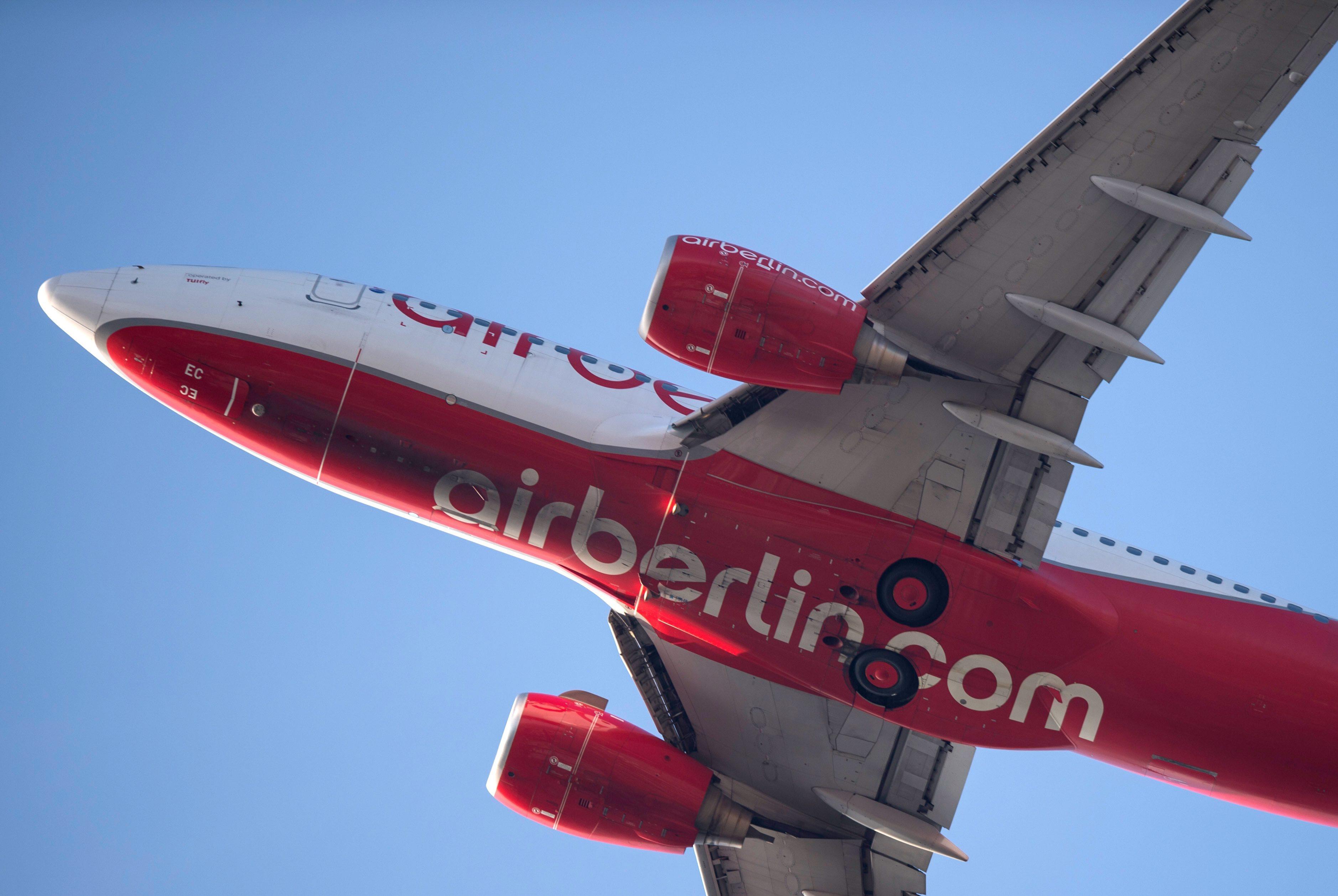 图为在柏林泰格尔机场拍摄的柏林航空公司航班。(图片来源:新华社/欧新中文)