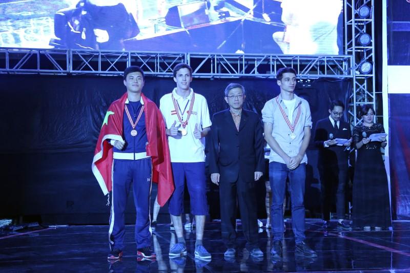 中国选手刘勇豪获得《炉石传说》项目的第三名。
