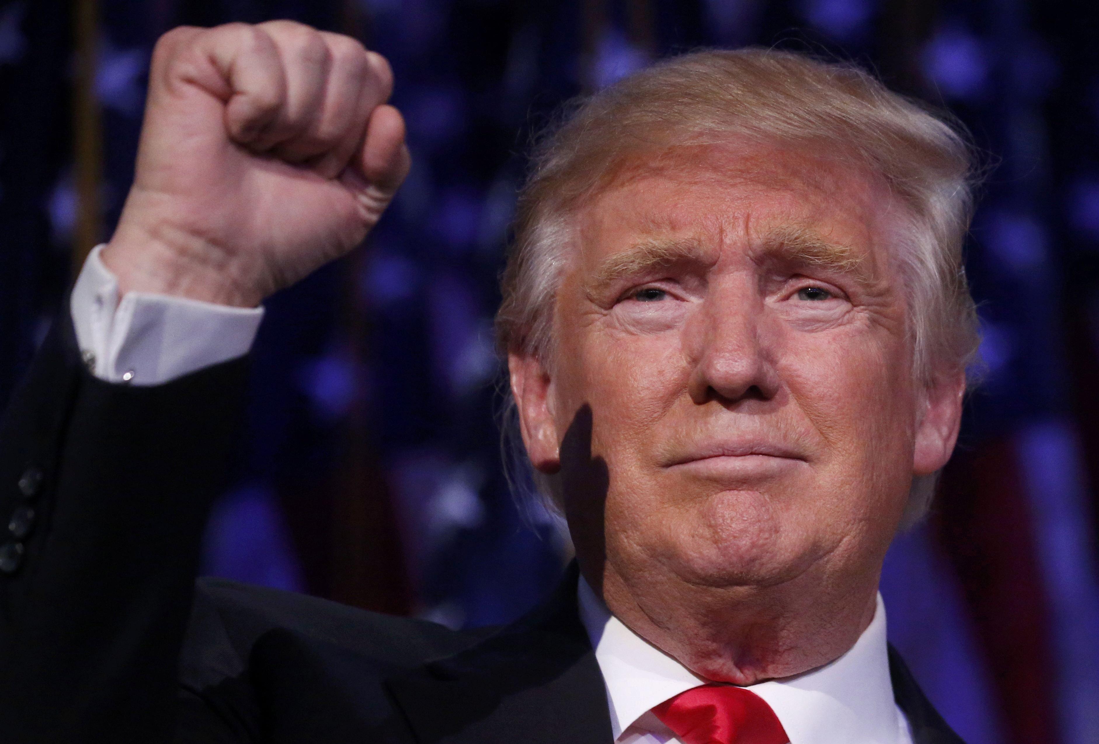 11月9日,美国共和党总统候选人唐纳德·特朗普在美国纽约的集会现场发表讲话。(新华社/路透)
