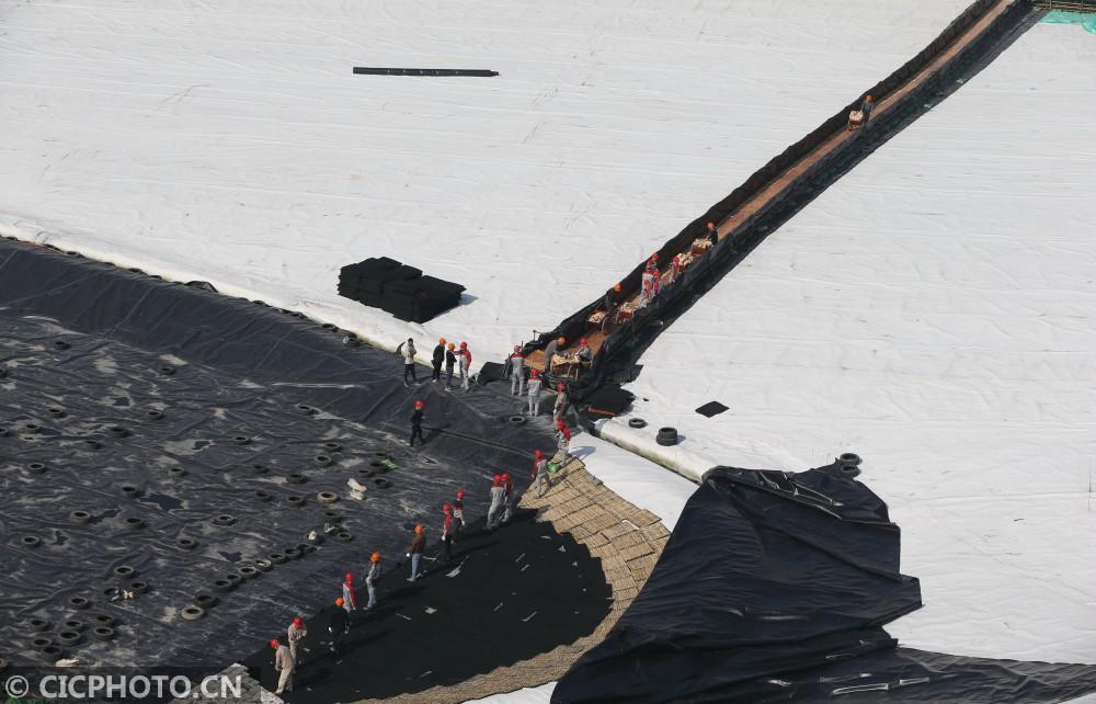 ↑1月5日航拍的浙江省温州市瓯海区西向生态填埋场。CICPHOTO/苏巧将 摄