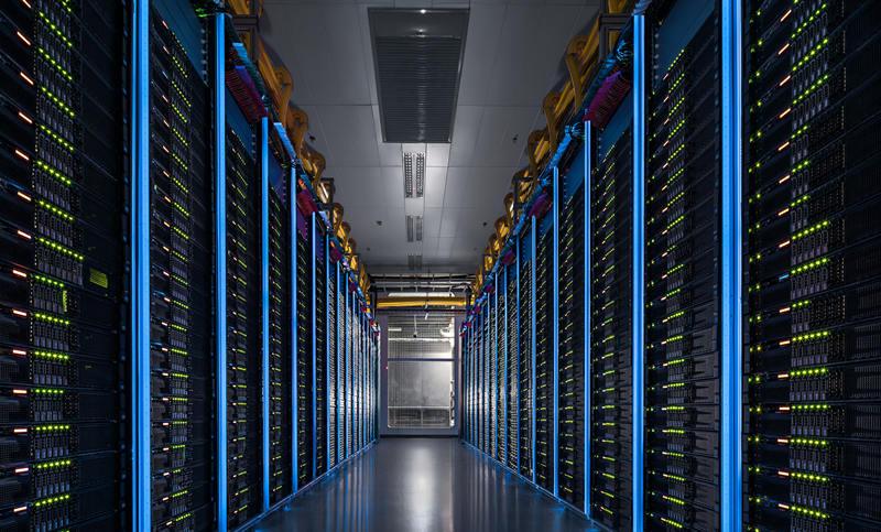 这是位于河北张北的阿里巴巴数据中心机房(2016年摄)。新华社发