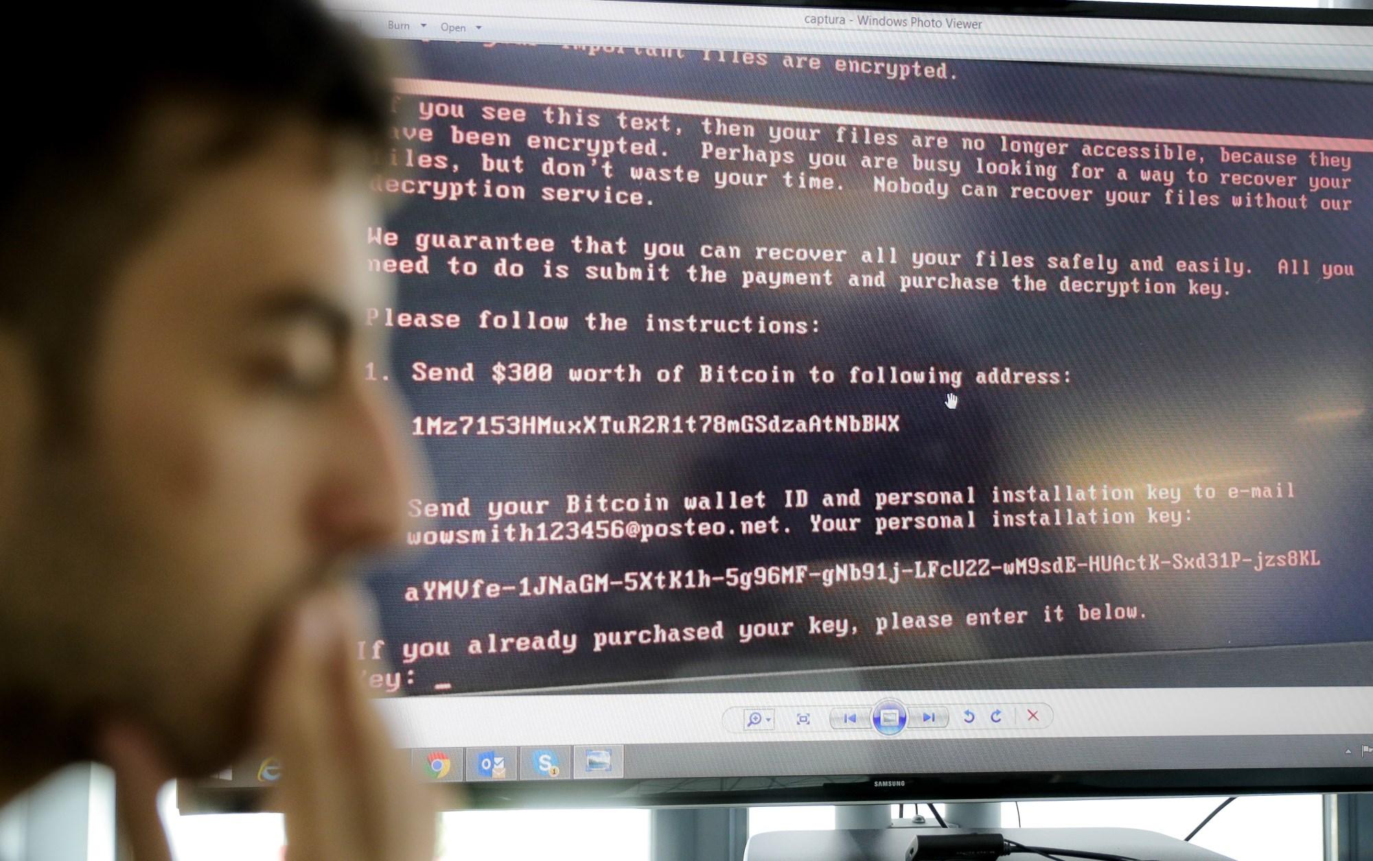 今年6月27日,全球遭受新一轮勒索病毒攻击,被袭击的设备被锁定,并被索要比特币赎金。新华社-美联 发