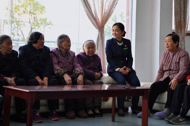 《瞭望》:湖南省委书记宣讲推动十九大精神落地生根 新湖南www.hunanabc.com