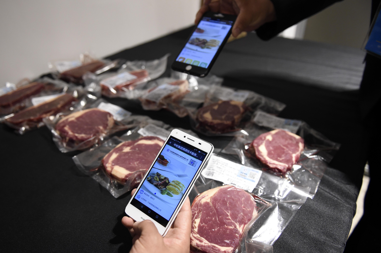 来自南美草原的乌拉圭牛肉已经成为中国市场上的主流产品。 新华社发资料图片