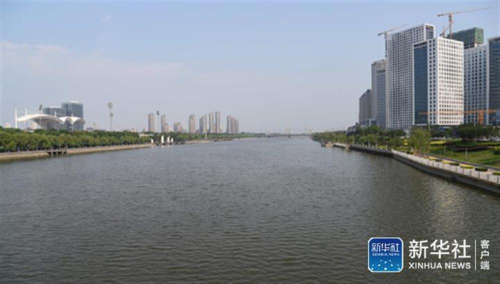↑京杭大运河北京段(6月18日摄)。新华社发(任超 摄)