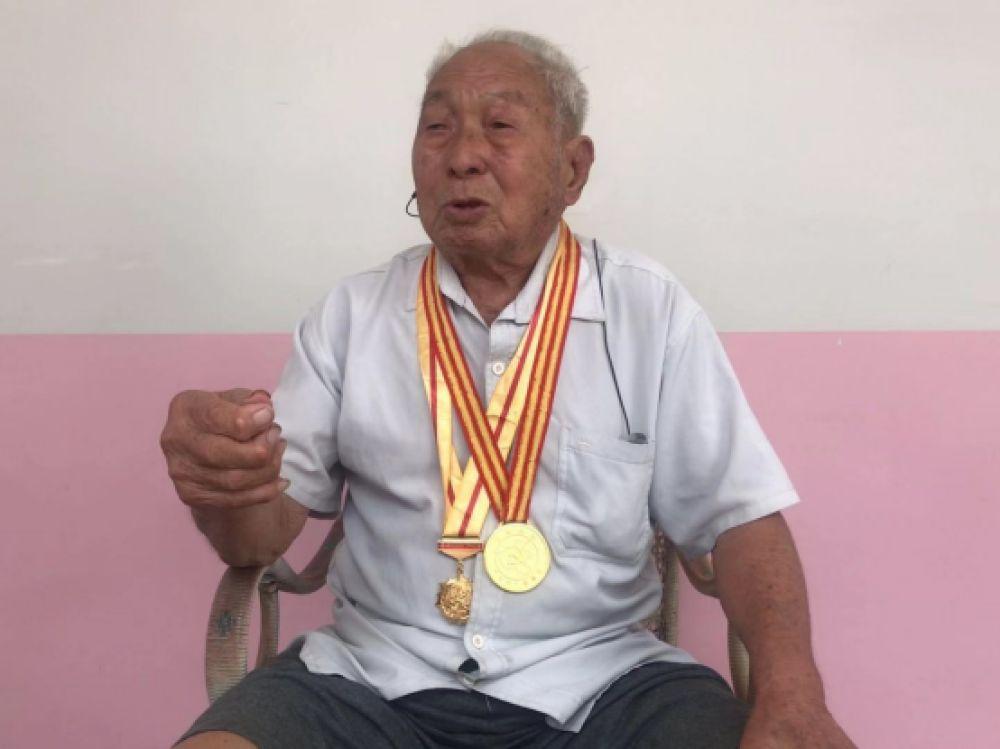 【奋进新时代 出彩河南人】97岁老兵解建业:屡获战功 一生奉献不言悔