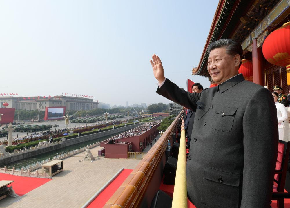 10月1日,天安门城楼,习近平总书记以磅礴之豪情,发出新时代中国最强音。