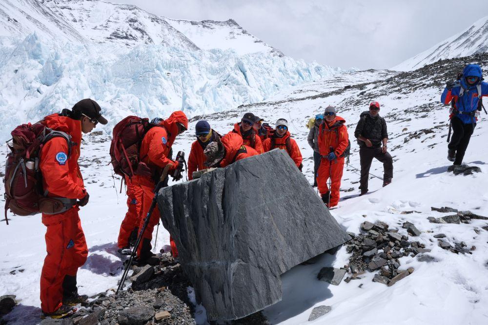 2020珠峰高程测量登山队将分两批撤回大本营休整
