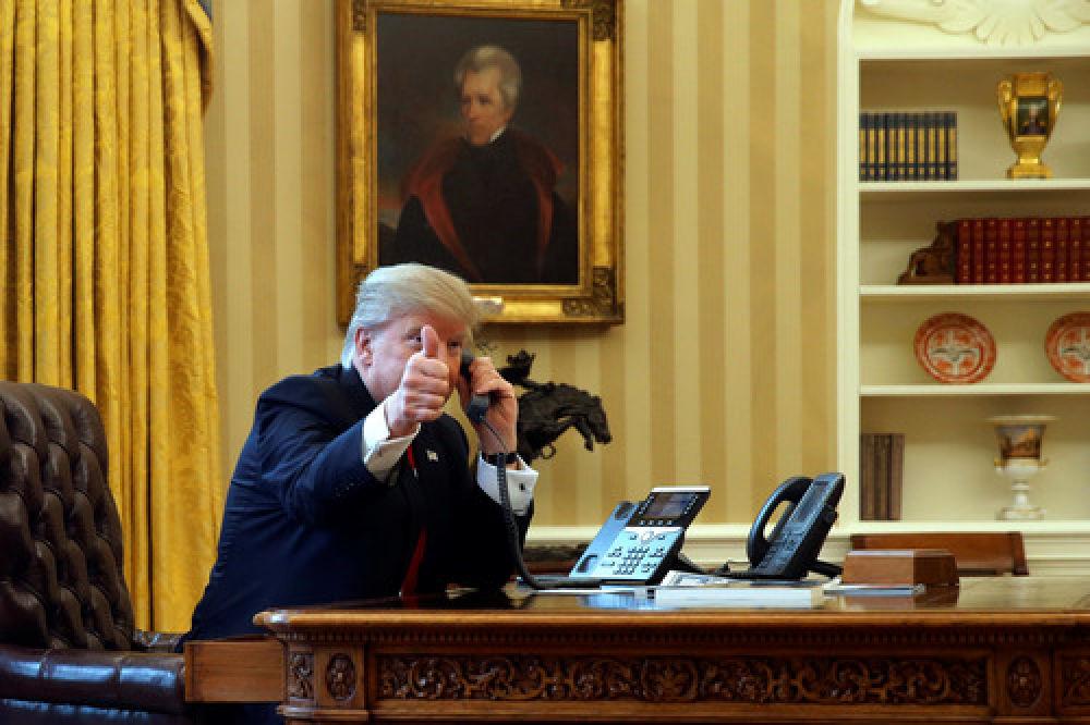 """踢爆""""水門""""的老記者出馬,特朗普又陷""""電話門""""?"""