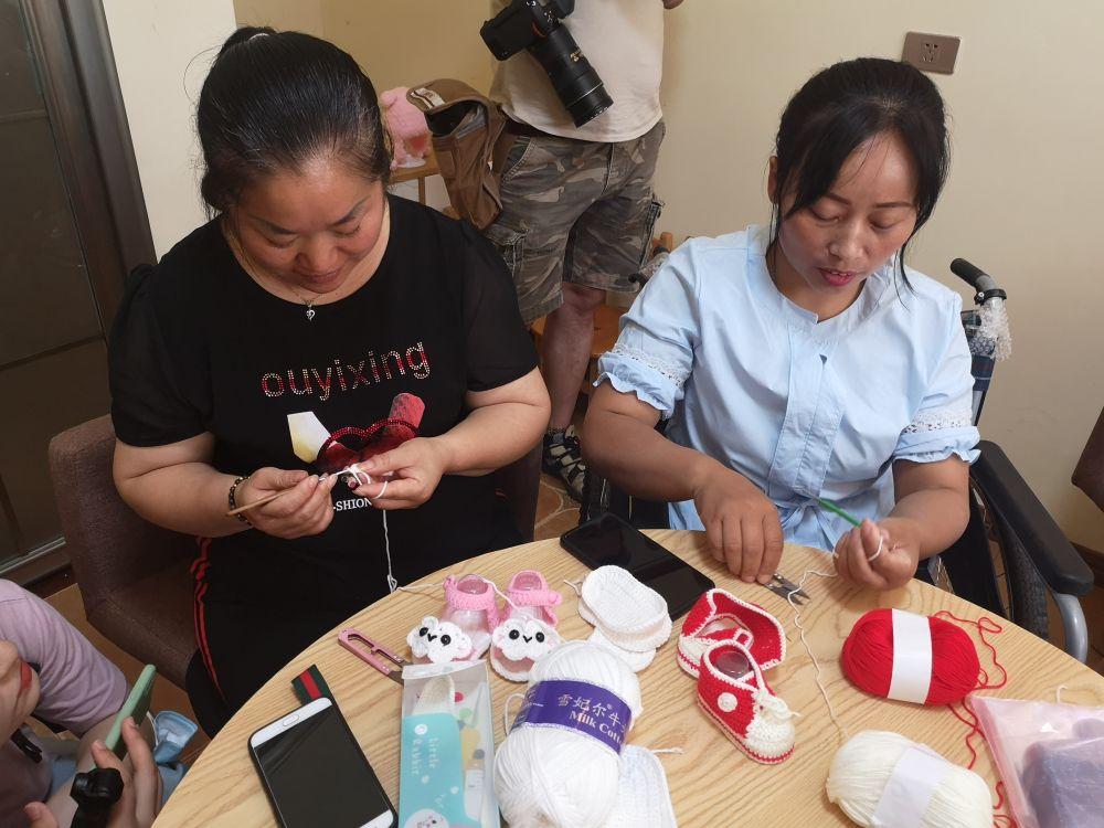 《【恒达代理注册】传统手工艺帮助贫困残疾人增收奔小康》