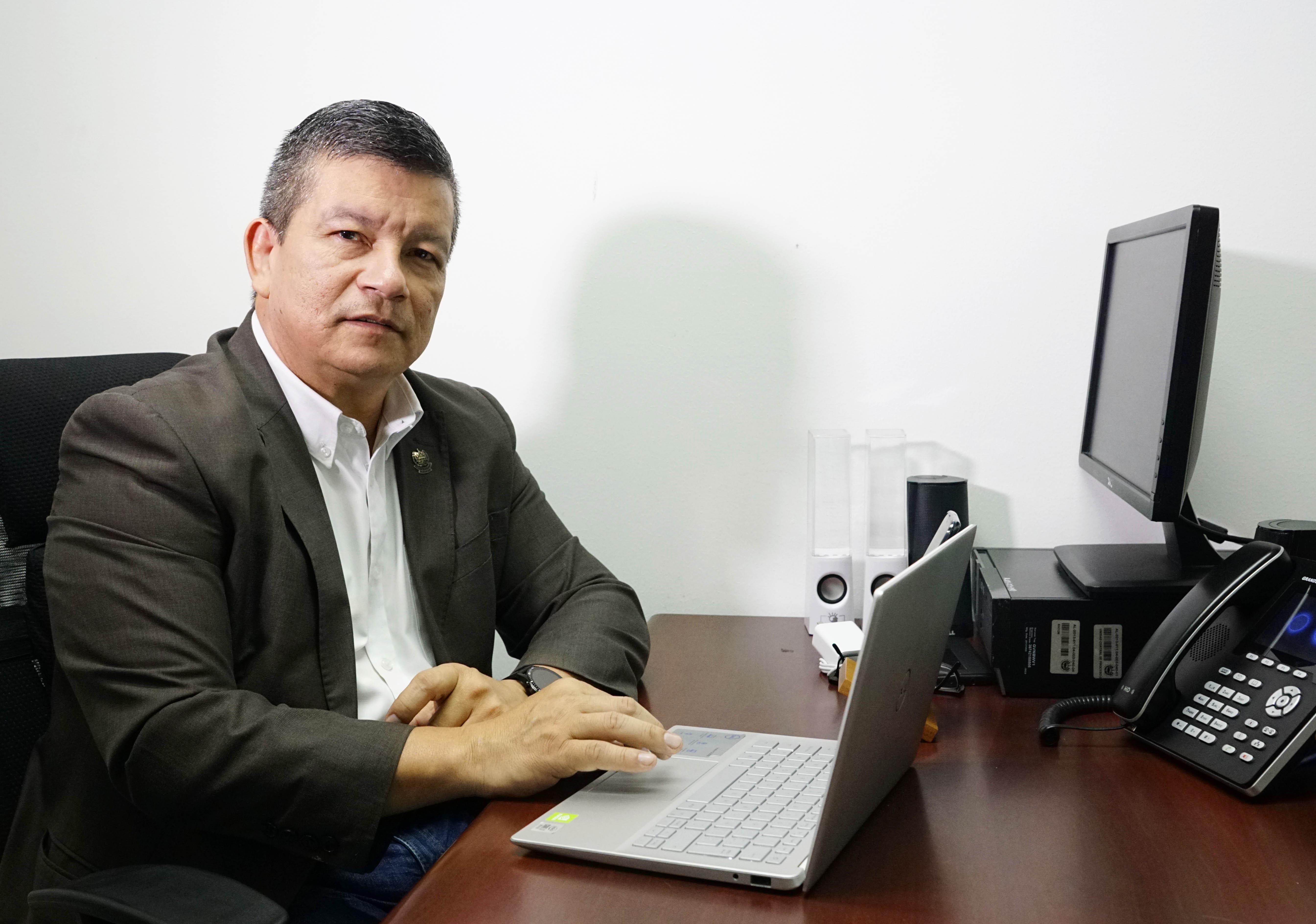 萨尔瓦多-中国友好协会主席弗洛雷斯:中国树立