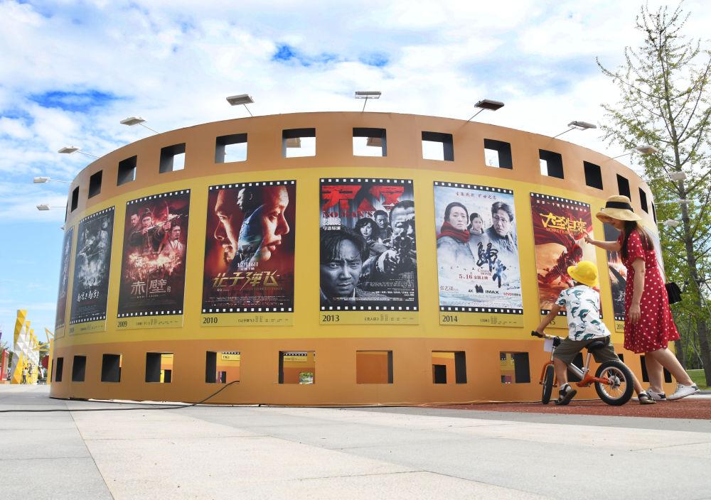 """数说""""十三五""""丨600亿元年票房:中国成为全球电影市场发展主引擎"""