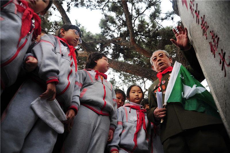 气壮山河的凯歌 永载史册的丰碑——写在中国人民志愿军抗美援朝出国作战70周年之际(图8)