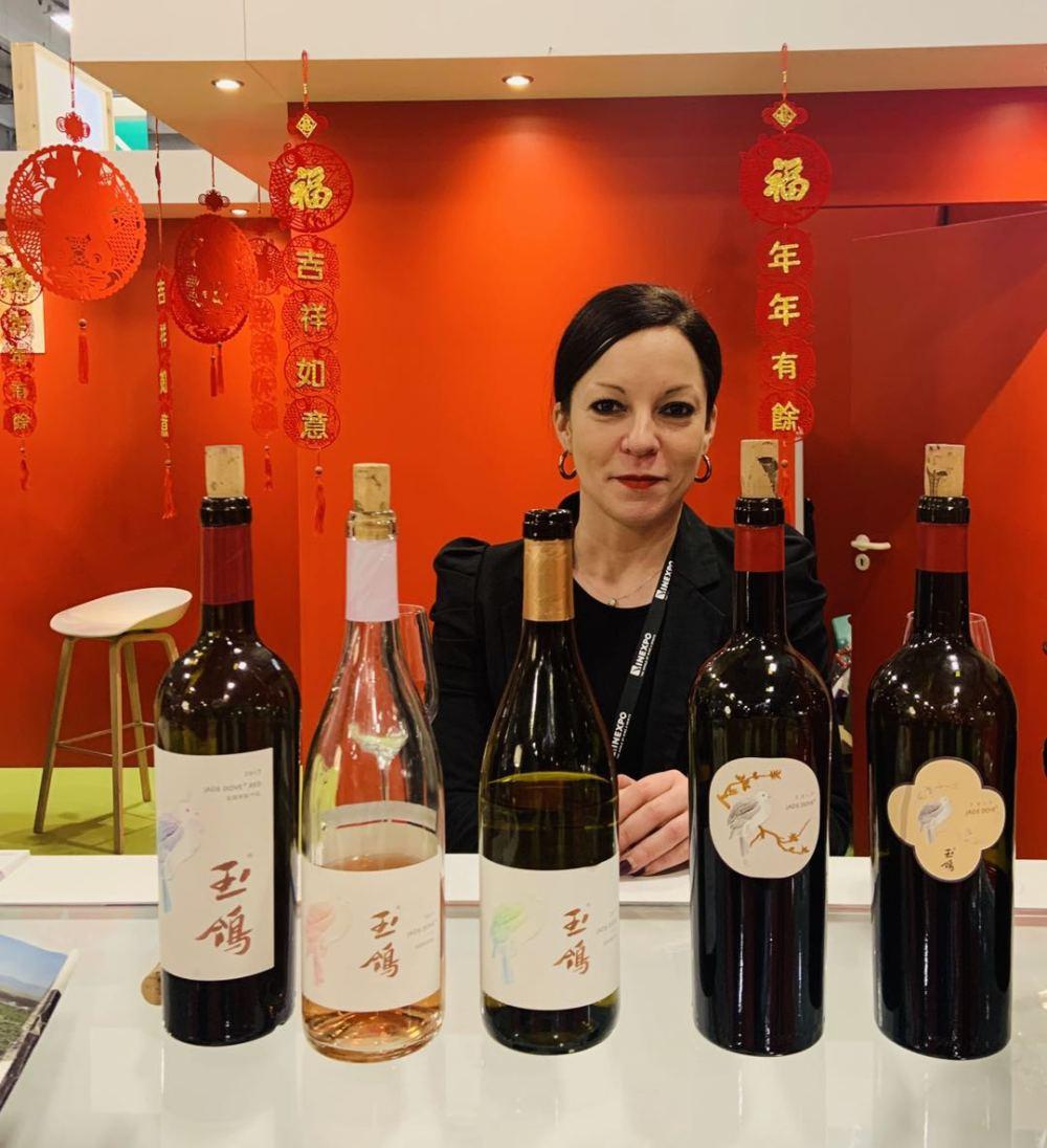 《【华宇娱乐平台首页】法国姑娘逐梦中国西北:我想把宁夏葡萄酒推广到全世界》