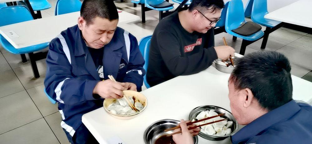 在曹妃甸港 3万个手工水饺吃到家的味道
