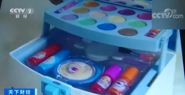 """号称""""专为儿童设计"""" 儿童化妆品,真的靠谱吗?"""