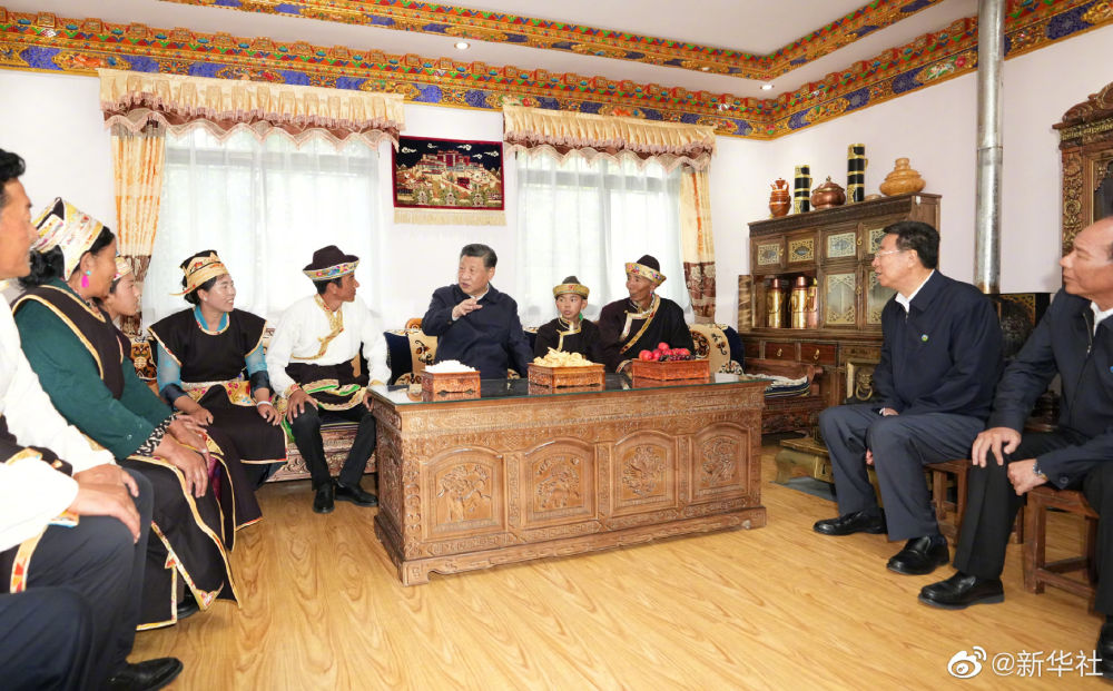 习近平在西藏考察调研